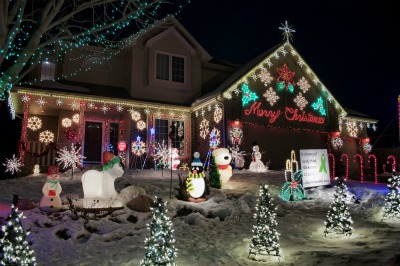 Amazing Christmas Light Displays in the Omaha Area with Interactive ...