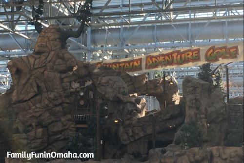 """Feb 24, · Mall of America tightens security after latest threat. With an unprecedented peek behind the scenes, the mall hopes to reassure shoppers. """"We had a shooting in an Omaha mall, and it was."""